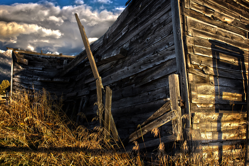 Dilapidated wooden building at Fort Steele, BC.