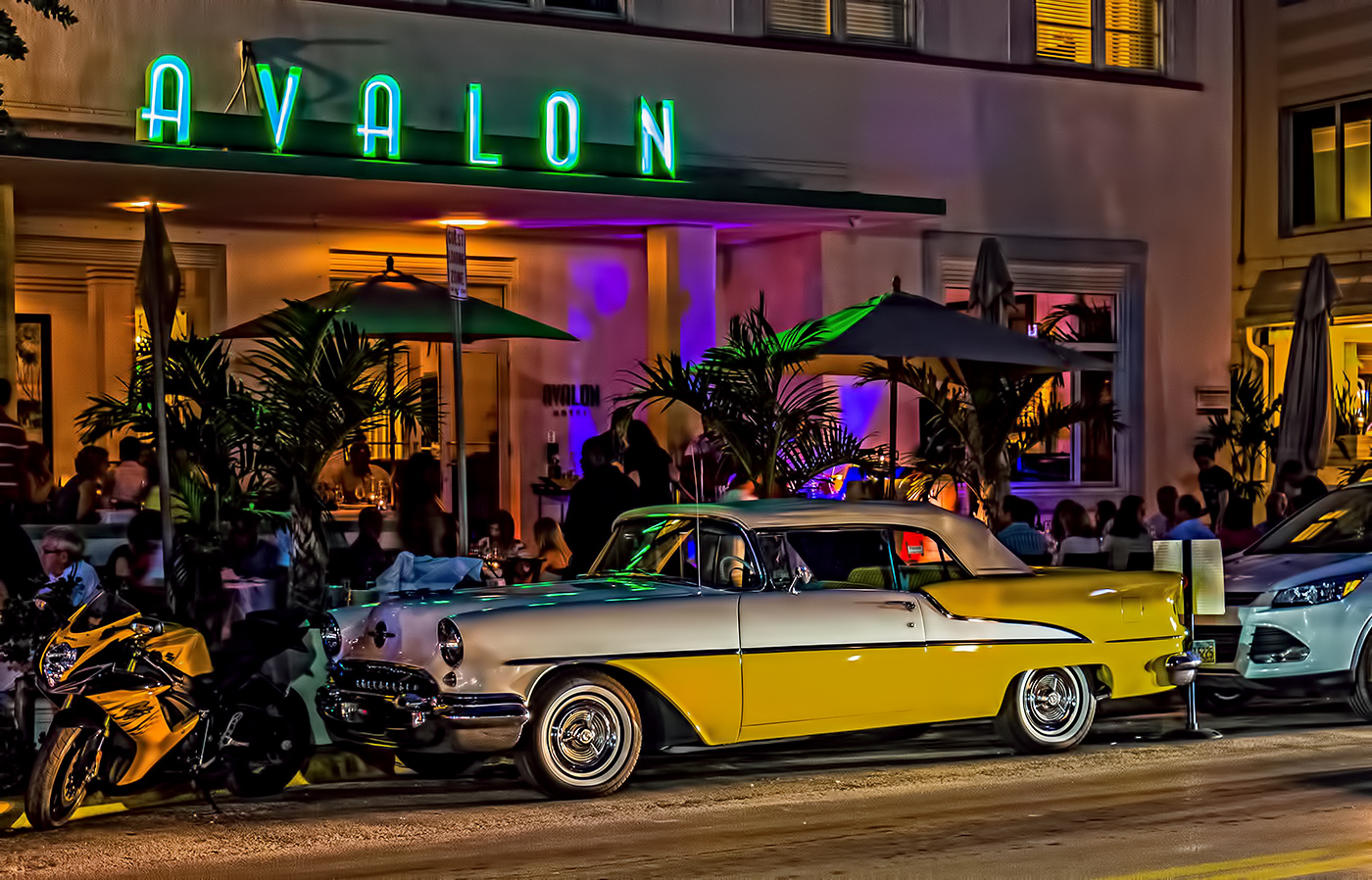 Classic Car at the Avalon on South Beach