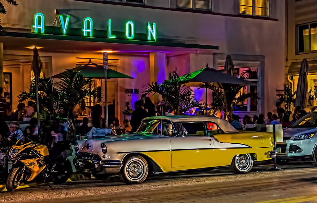 South Beach – Miami's Neon Night's